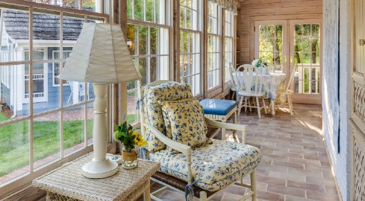 picture of a sunny sunroom